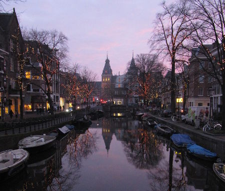 Rijksmuseum at night. Jennifer S. Alderson author